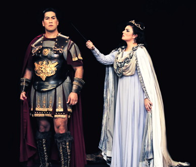 Tenor Ta'u Pupu'a and soprano Rochelle Bard in Knoxville Opera's 'Norma'